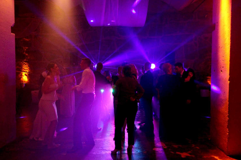 Ohjelmaa musiikkia tanssia juhliin synttäreille dj syntymäpäiville